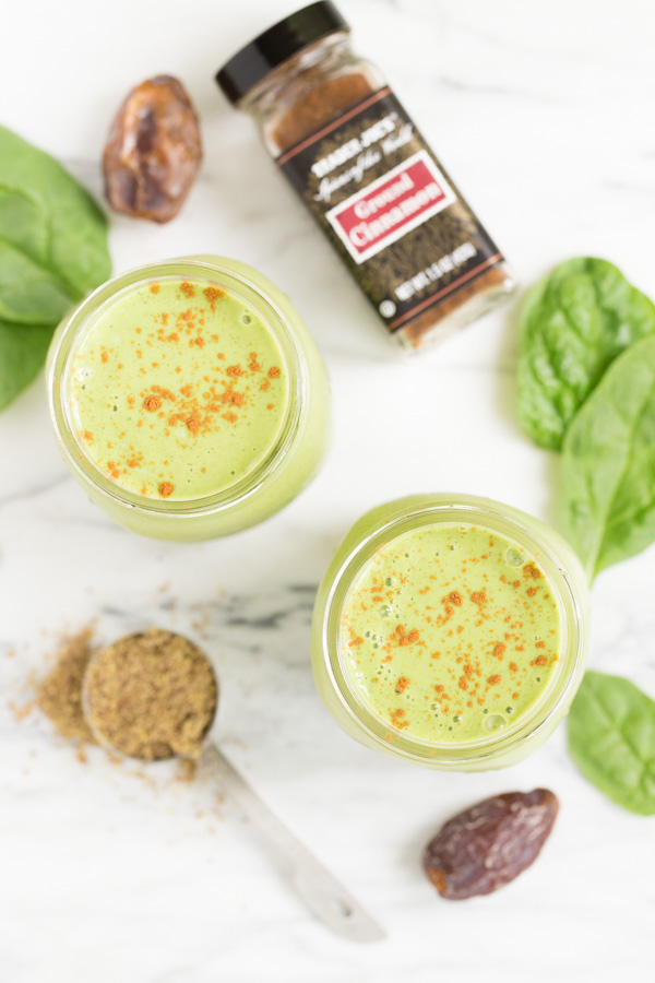 Cinnamon Zucchini Bread Smoothie is a creamy, delicious treat for breakfast or any time of day! Each smoothie packs two servings of veggies - zucchini & spinach - but all you taste is sweet, cinnamon goodness! | www.heartandstove.com